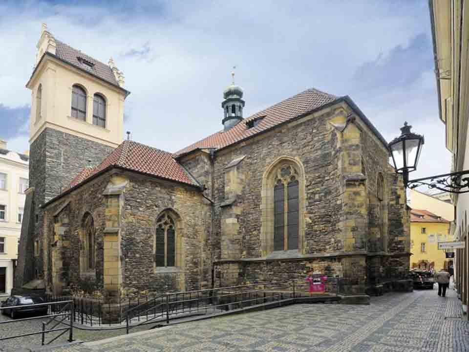 Kostel u Martina ve zdi